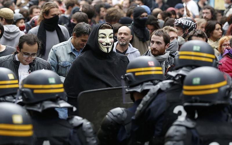 Оппозиция использует дело Устинова, пытаясь создать протестную картинку для западной прессы