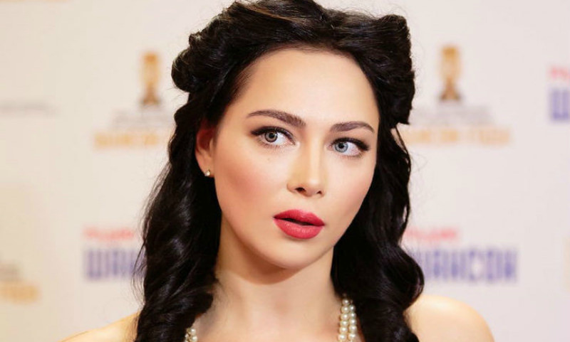 «Режиссер-самодур»: Самбурская со скандалом ушла из театра