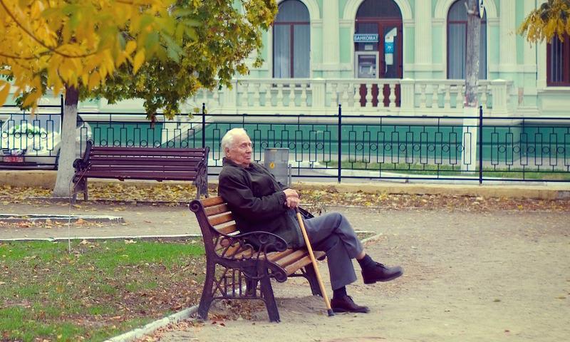 Каждый шестой россиянин обречен на нищету в старости. Сегодня они не отчисляют ни копейки государству