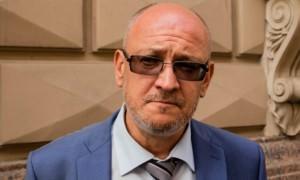 В Петербурге оппозиционного депутата Максима Резника задержали по делу о наркотиках
