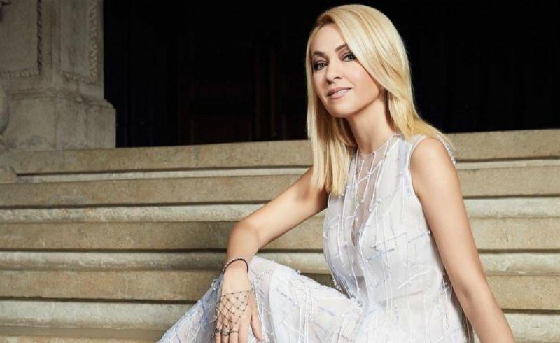 Яна Рудковская пожаловалась на слежку за ее домом