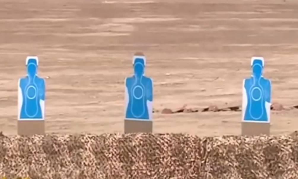 Президент Туркменистана с велосипеда расстрелял мишени из пистолета