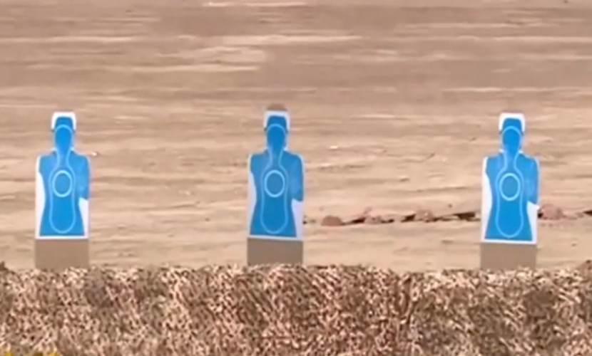 Президент Туркменистана с велосипеда расстрелял мишени из пистолета - Блокнот
