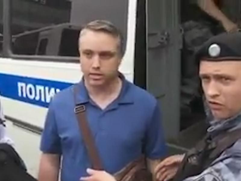 """Лайфхак: """"I am American"""" и полиция тебя отпускает"""