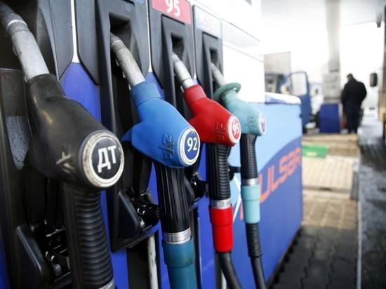 Россияне ездят к соседям в Кaзaхстaн зa дешевым бензином