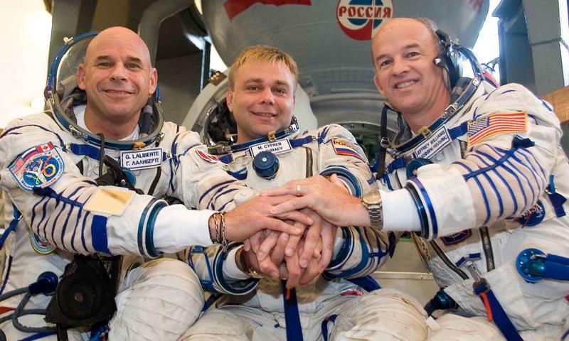 Российские космонавты отказались делиться с учеными космической спермой