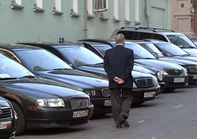 Чиновников Забайкальского края лишили служебных автомобилей