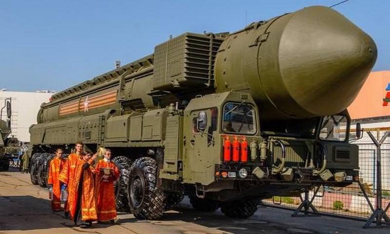 РПЦ намерена отказаться от практики освящения оружия массового поражения