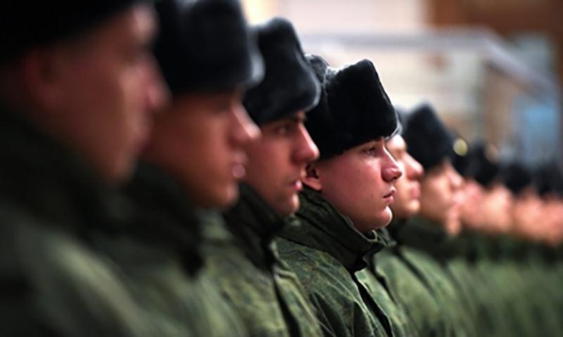 Россияне: служба в армии —  обязанность каждого  настоящего мужчины