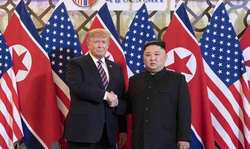 Трамп стал первым президентом США, ступившим на территорию КНДР