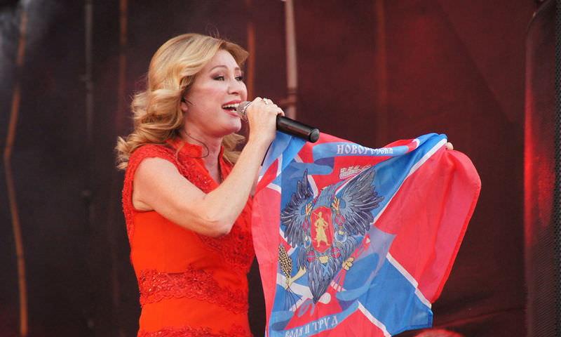 Певица Вика Цыганова вошла в списки кандидатов в Госдуму