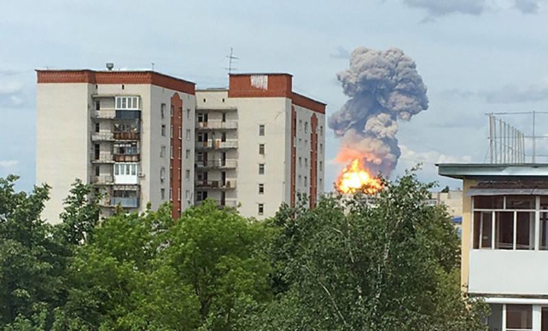 Власти сообщили о последствиях взрывов на заводе в Дзержинске