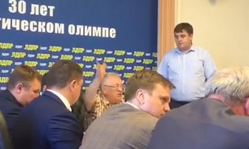 «Не трогай губернатора!» -  приказал Жириновский кандидату от ЛДПР