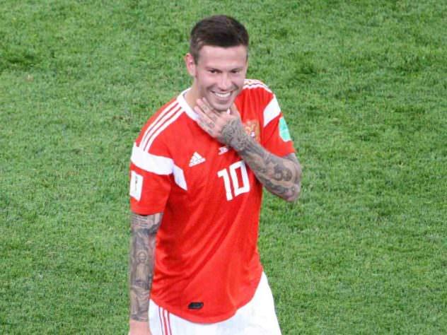 400 тысяч от футболиста заставили плакать все алтайское село