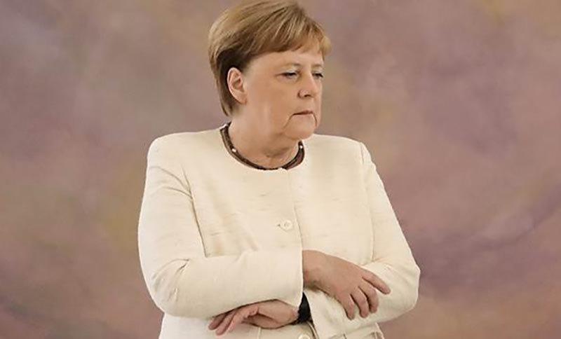 В ФРГ потребовали  направить Меркель на  принудительный медосмотр