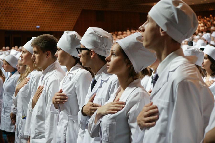 Выпускников медицинских вузов будут направлять на работу по распределению