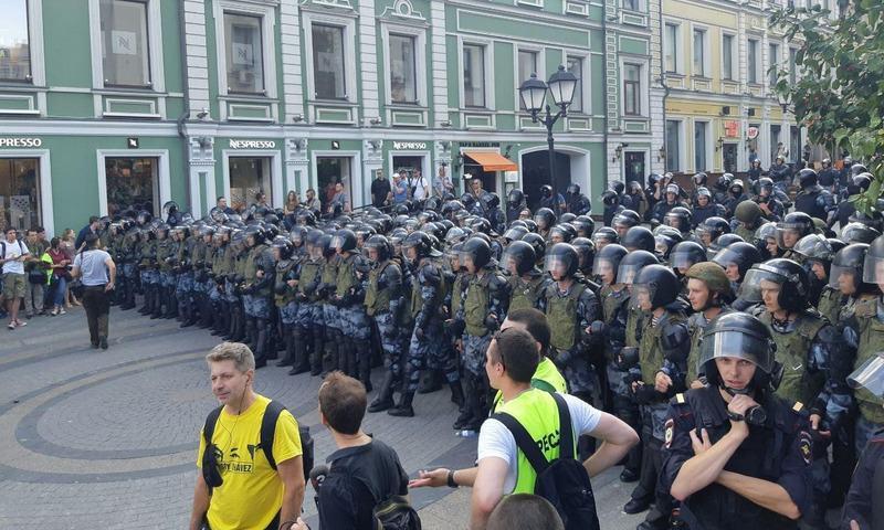 Полиция насчитала 3,5 тысячи участников акции в Москве: задержаны более 500