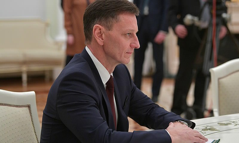 Уступил место землякам: владимирский губернатор объяснил скандальный побег на лечение от коронавируса в Москву