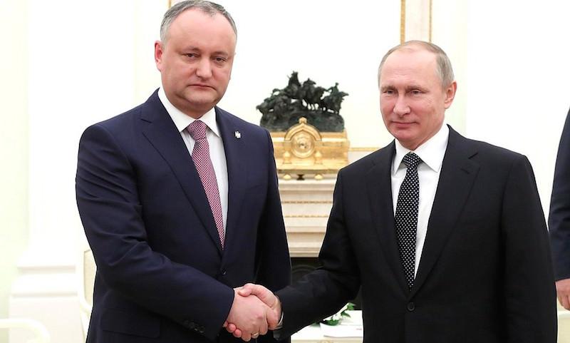 Владимир Путин пригласил Игоря Додона в Москву на празднование 75-летия Великой Победы