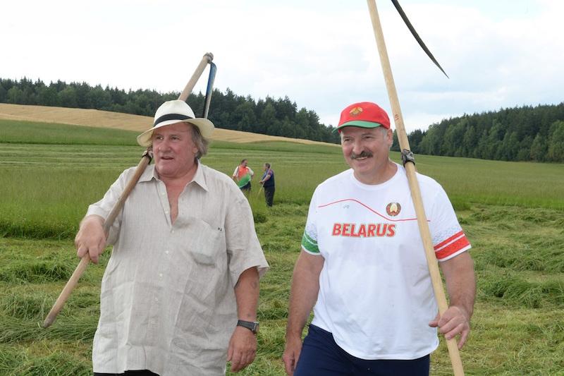 Лукашенко выделил Депардье участок в престижном районе пожить