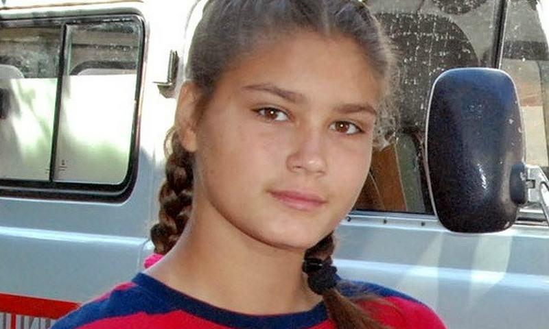 14-летняя школьница из Починка помогла вытащить мужчину из воды