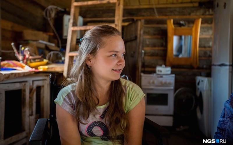 Аня вернется домой: люди собрали деньги на дом девочке-инвалиду, пережившей пожар