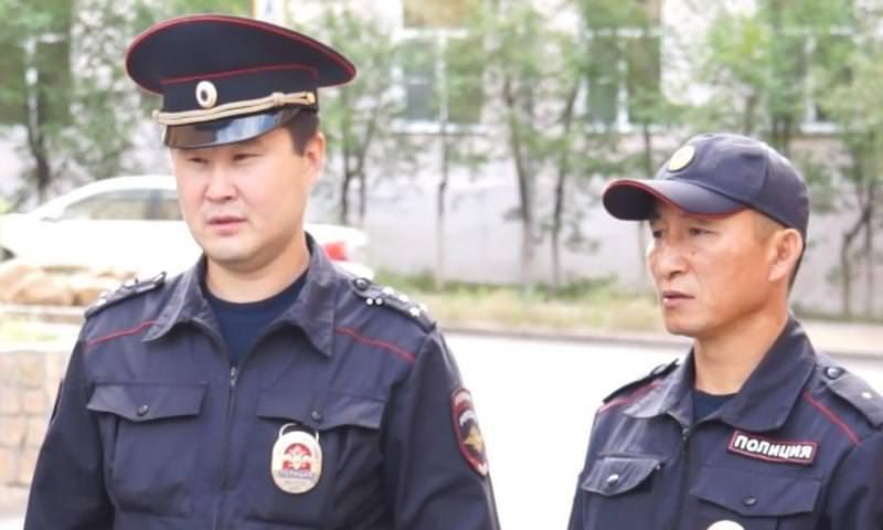 Полицейские спасли пассажиров загоревшегося автобуса в Улан-Удэ