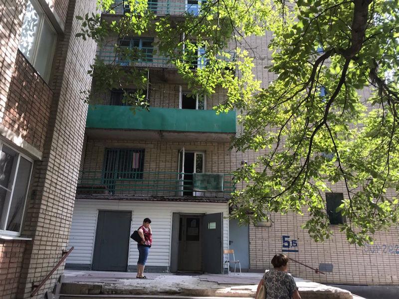«Поставлю палатку и буду жить у входа»: Южный Федеральный Университет пытается выставить на улицу из общежитий своих бывших сотрудников