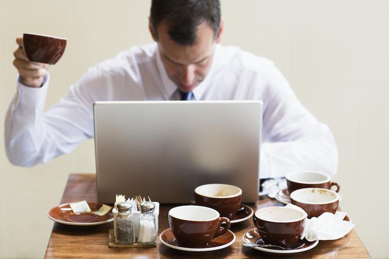 Чашка кофе 100 рублей: чиновники жалуются на командировочные