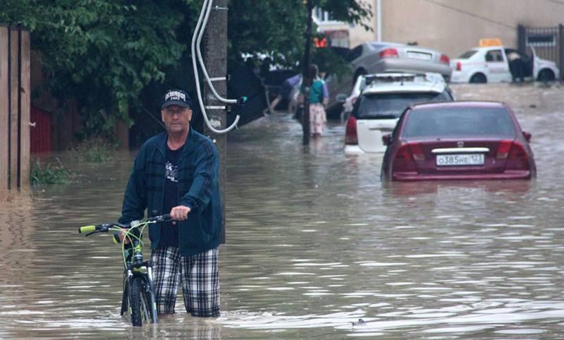 Сочи затопил сильный ливень. Идет подготовка к эвакуации жителей