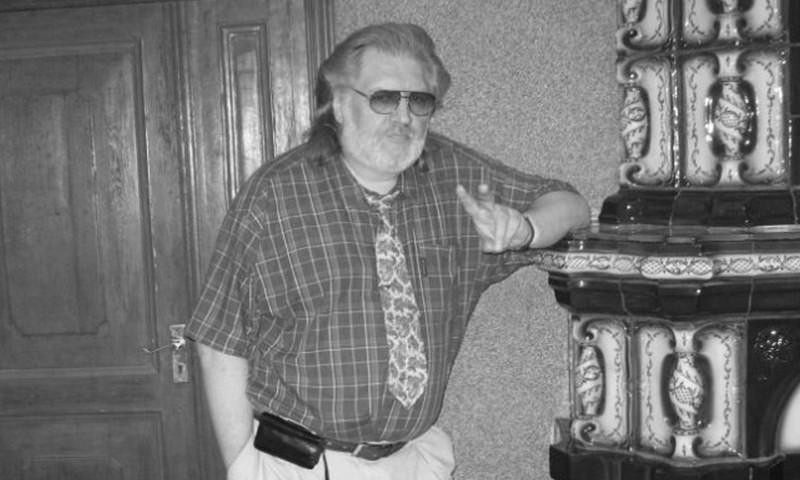 Умер известный переводчик-синхронист фильмов 90-х годов Юрий Живов
