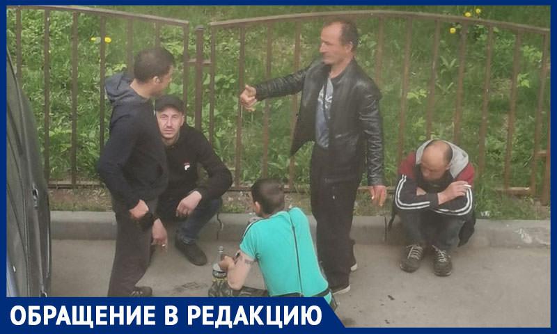 Банда наркоманов терроризирует центр Москвы, прячась от полиции в соседнем районе - Блокнот