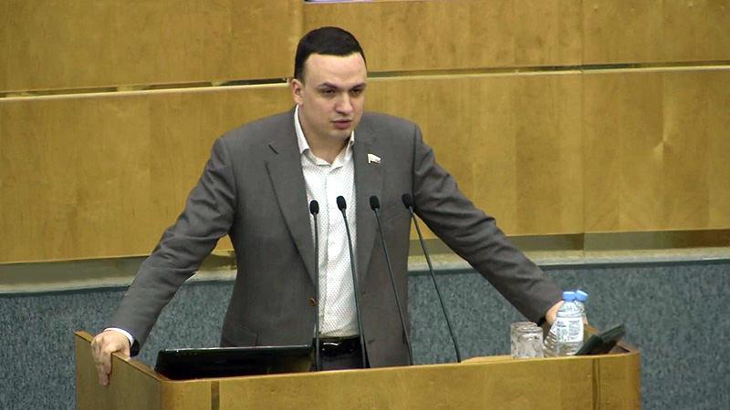 В Госдуме обсудили зачем Тимати трескает бургеры