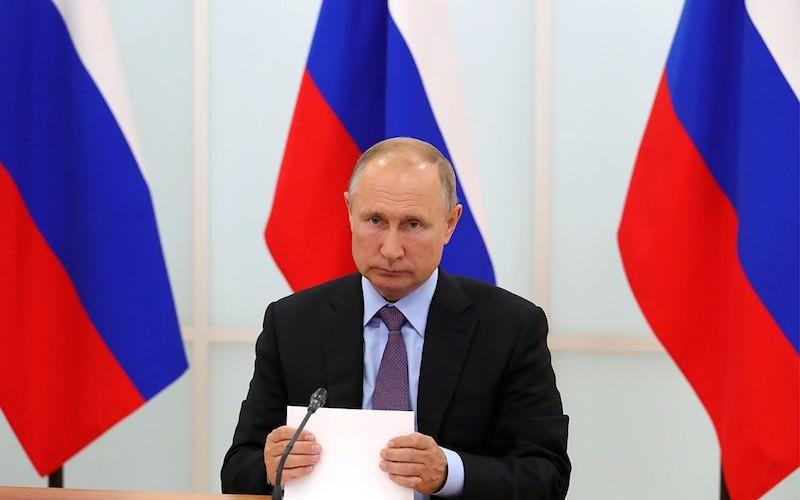 Президент уволил 30 генералов и полковников в правоохранительных органах