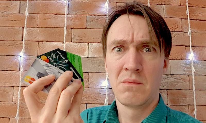 С банковских карт россиян массово воруют деньги. ЦБ бьет тревогу, но мошенники становятся все более изобретательными