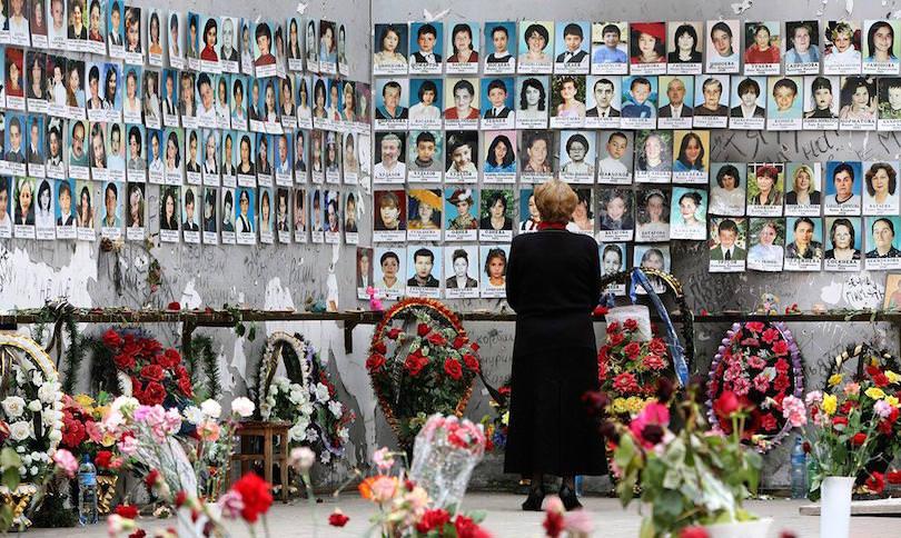 Назначена ежемесячная компенсация за каждого погибшего в Беслане ребенка