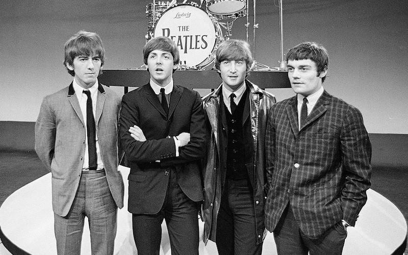 Минкульт рекомендовал изучать в школах песни Beatles, Queen, Pink Floyd и Высоцкого с Цоем