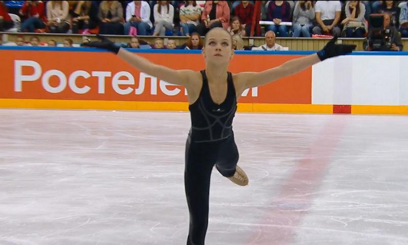 Российская фигуристка Александра Трусова исполнила три четверных прыжка