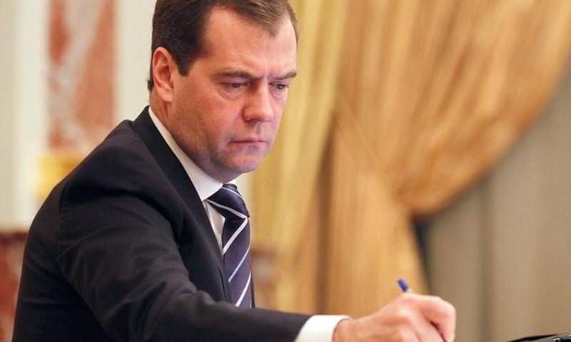 Дмитрий Медведев хочет «переналадить» Интернет в России