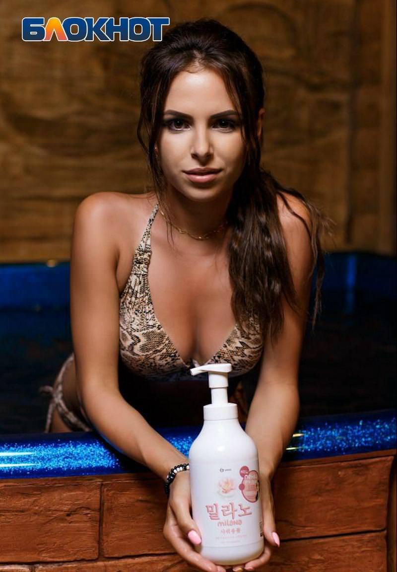 Парням кажется, что ТАК девушки принимают душ
