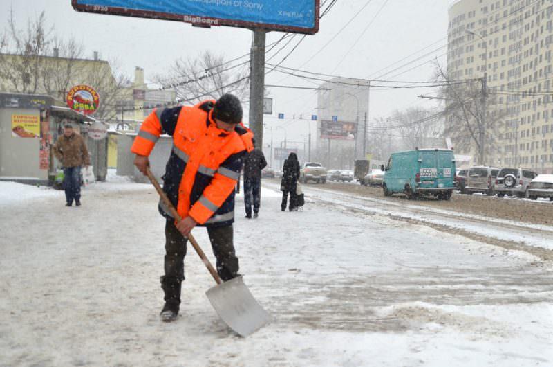 Российские инженеры предложили по-новому бороться с сугробами на дорогах
