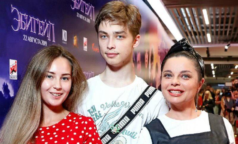 17-летний сын Наташи Королевой бросил экс-участницу «Дома-2» из-за измен