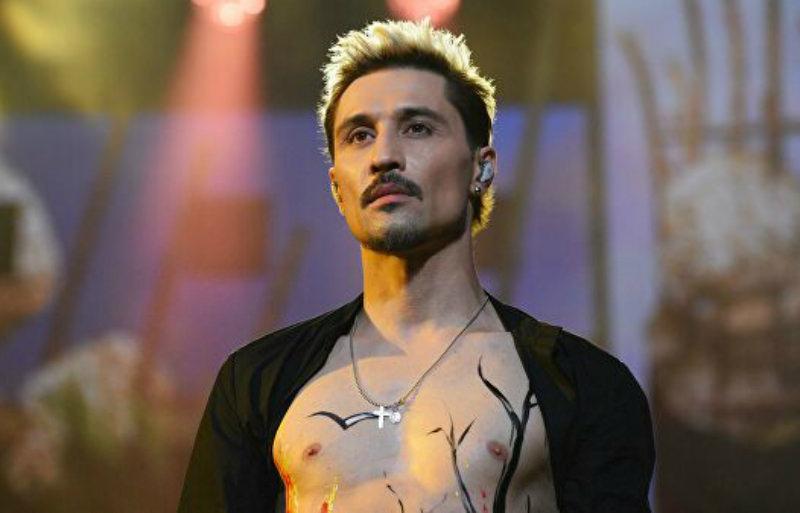 Иван Ургант высмеял конфуз Димы Билана на повторном концерте в Самаре