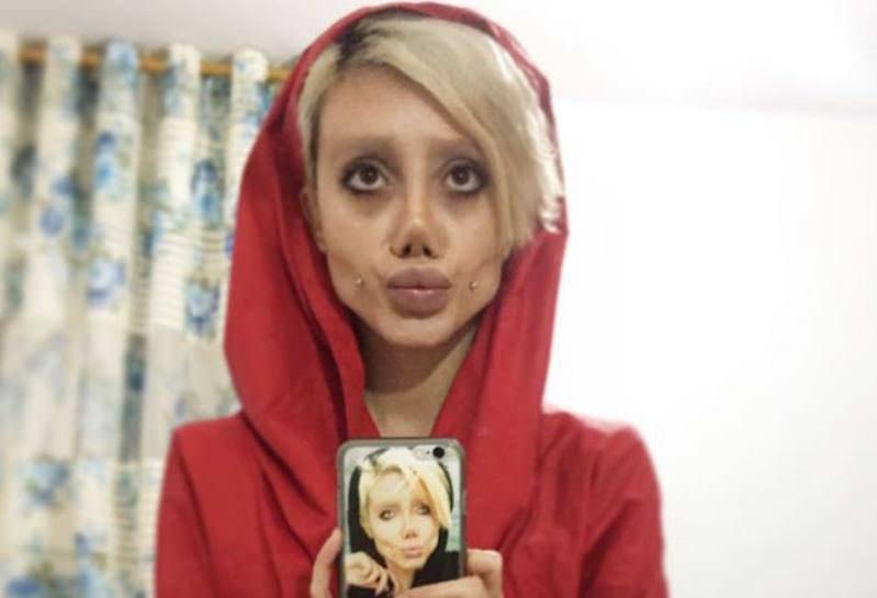 В Иране задержали самого эпатажного двойника Анджелины Джоли