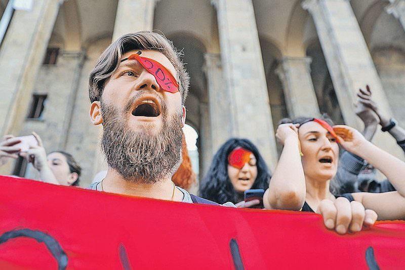 В Грузии устроили митинг против гастролей российского театра - Блокнот Россия