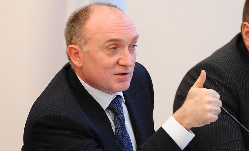 Обвиняемый в хищении 20 млрд рублей экс-губернатор сбежал из России