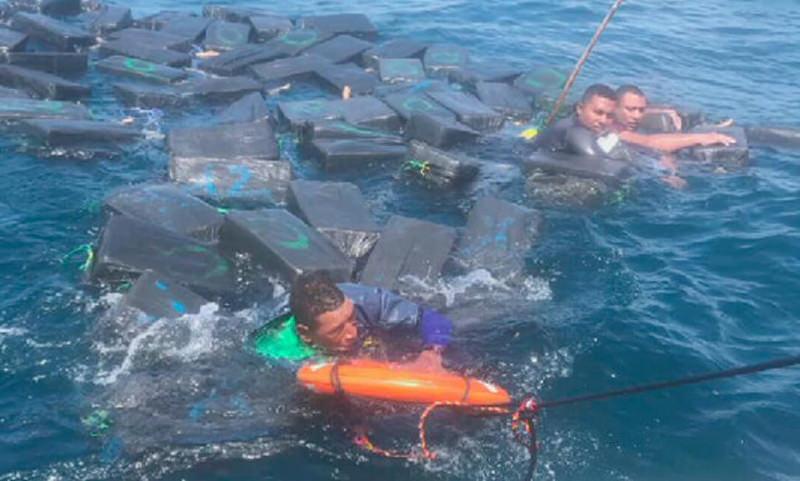 Кокаин спас потерпевших кораблекрушение наркоторговцев