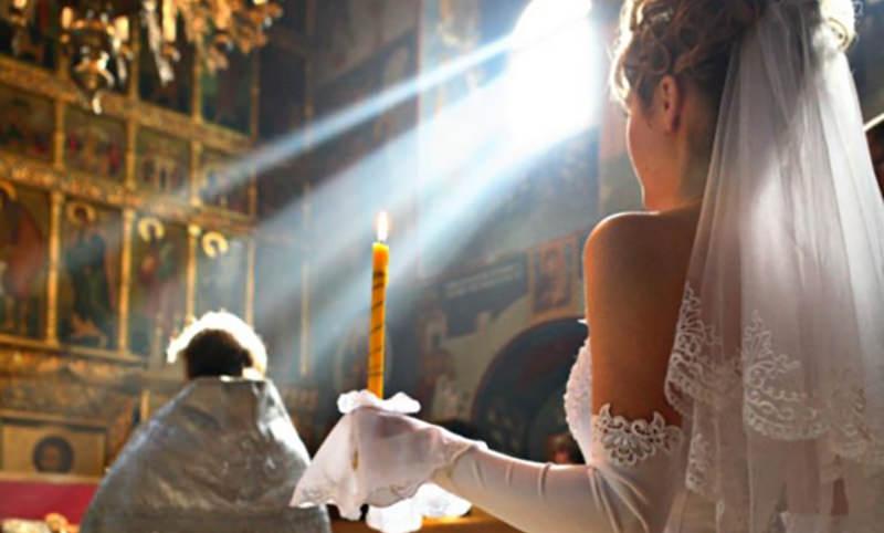 http://bloknot.ru/obshhestvo/kalendar-14-oktyabrya-pokrov-otkry-tie-sezona-svadeb-5-631846.html