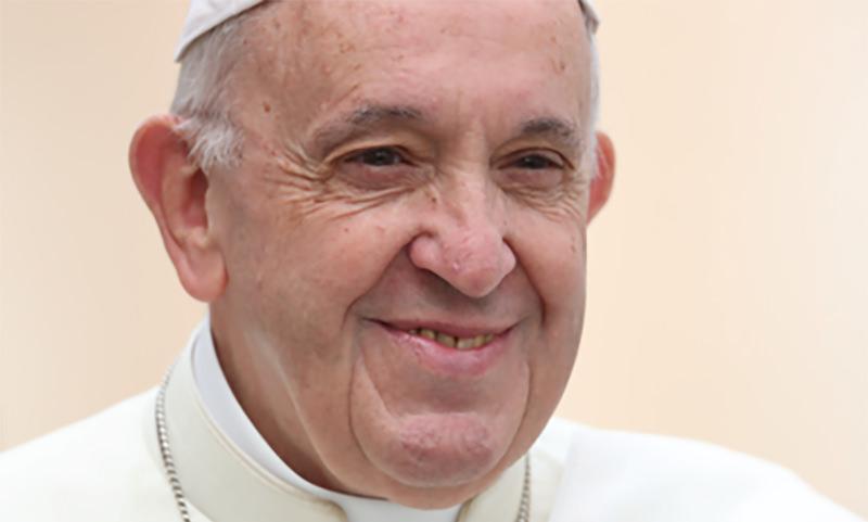 Замерзшие россияне обратились к Папе Римскому и получили тепло в дом