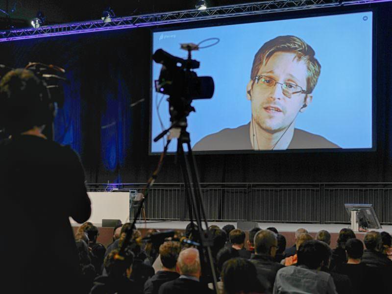 Сноуден обвинил спасшую его от ареста Россию во вмешательстве в выборы в США